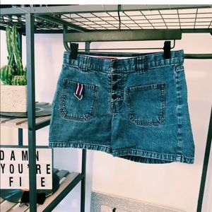 3 FOR 20🌟 Tommy Hilfiger Shorts Size 4 high rise